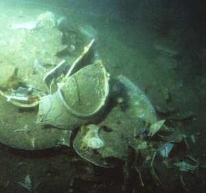 Smashed Chinese Porcelain, Wanli Wreck, c. 1625, Malaysia. Photo: © Sten Sjostrand.